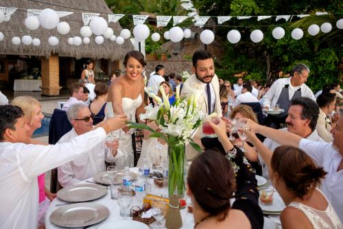 Beautiful Vallarta Weddings Villa Verde Diane and Eduardo